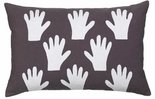 distelroos-Broste-Copenhagen-70120514-cushion-cover-hands