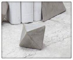 Serax - Geometrische vorm driehoek cement