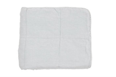 MrsBloom - Quilted throw Charlotte light blue