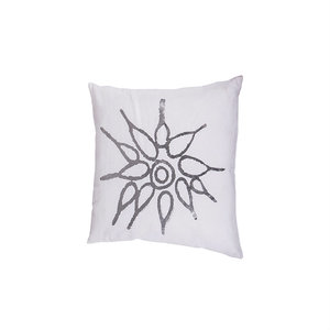distelroos-Broste-Copenhagen-70120576-cushion-cover-luisa