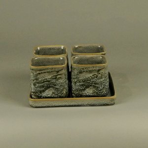 distelroos-BRYNXZ-9833-8-4S-Set-of-plate-and-pots-square-cosy-spring-Grey